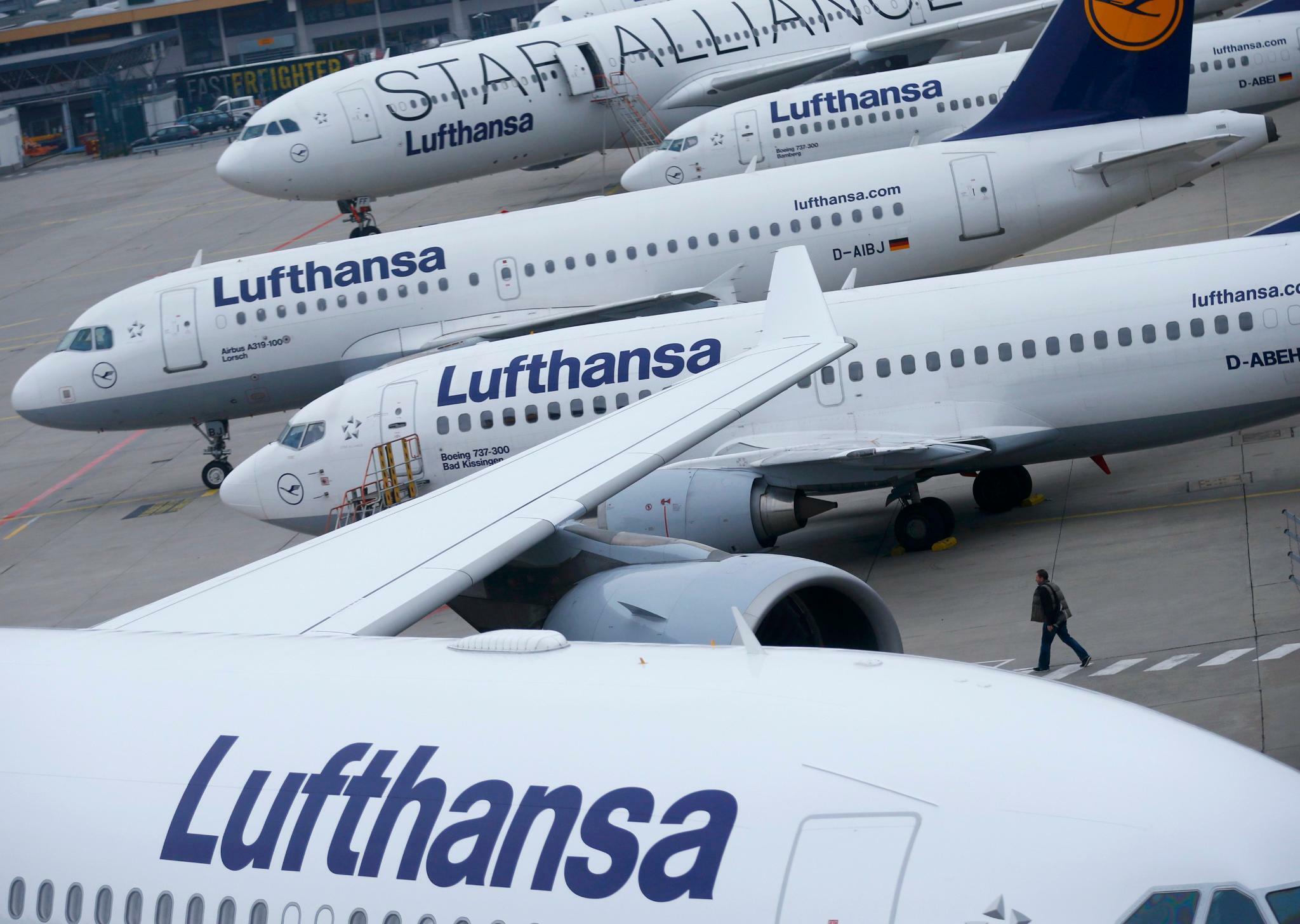 Fluggesellschaft: Lufthansa verhandelt mit Verdi über Tarife für Kabinenpersonal