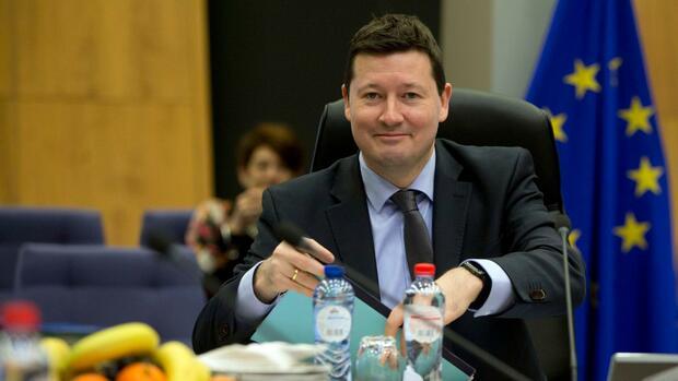 EU-Parlament rügt Selmayr-Beförderung