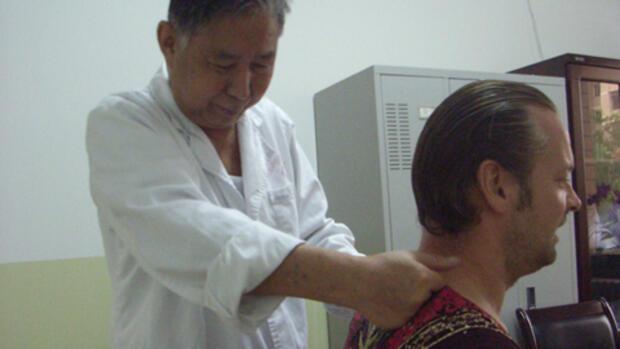 Die Operation für die Erhöhung der Brust in südlich-sachalinske