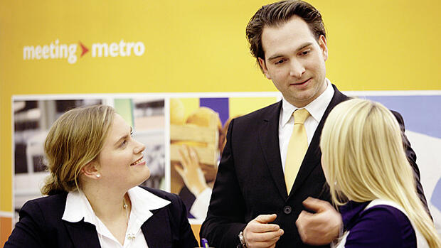 Studenten bei einer Recruiting-Messe Meeting Metro Quelle: PR