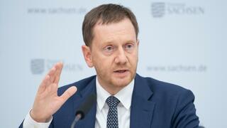 Altersversorgung: Kretschmer dringt auf Grundrente und weist Kritik aus eigenen Reihen zurück
