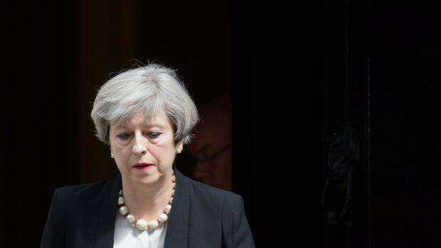 Britische Parteien unterbrechen Wahlkampf nach Manchester-Explosion