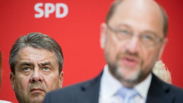 Umfrage: SPD fällt deutlich zurück - Union und FDP legen zu