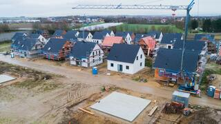 Immobilien: Baugeld auf Januar-Rekordtief – Hauskauf wird trotzdem immer teurer