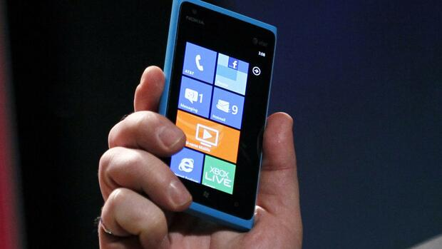 Nokia Lumia 800/900 Quelle: REUTERS