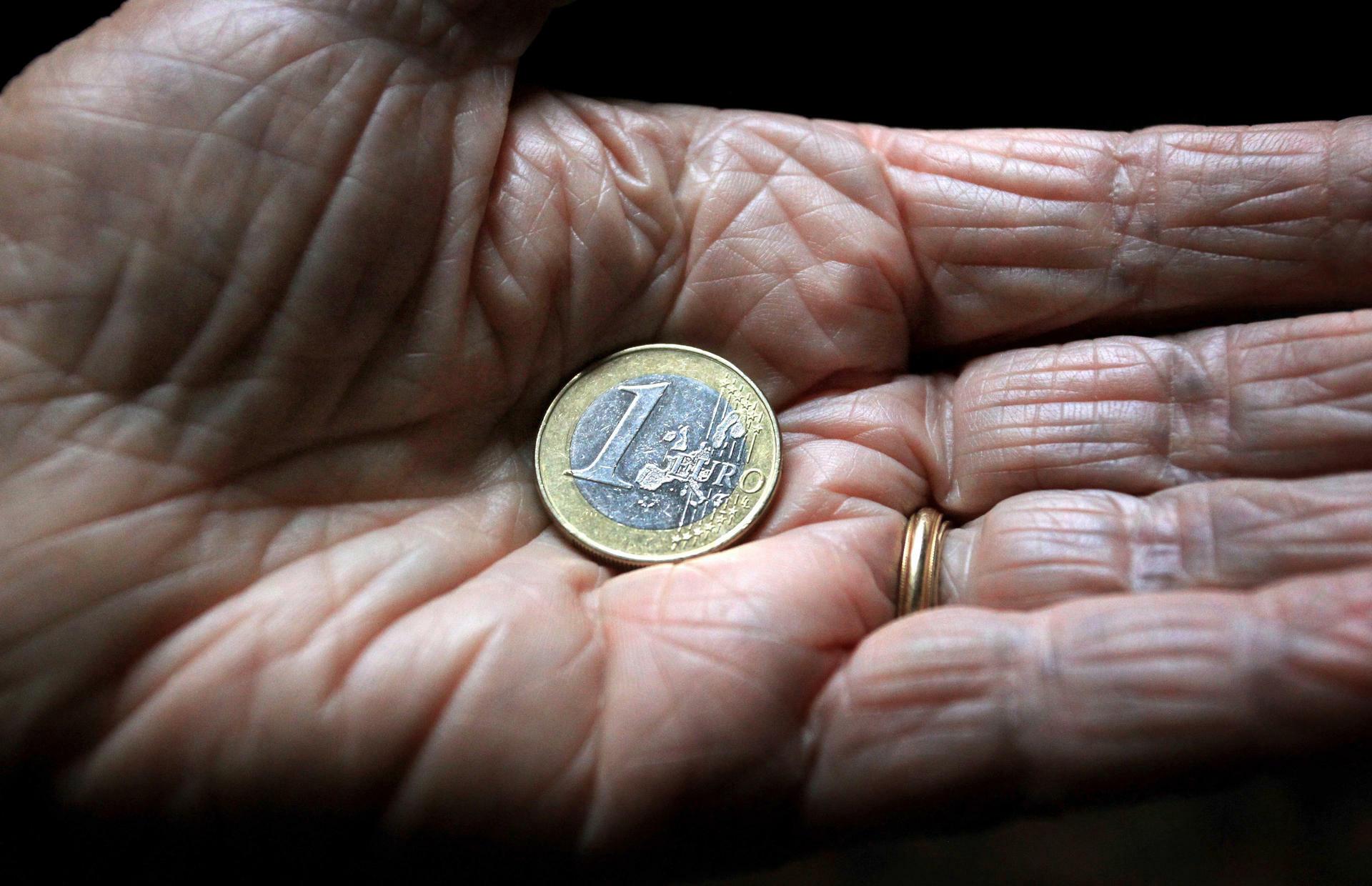 Umfrage In Deutschland Viele Rentner Leben über Ihre Verhältnisse
