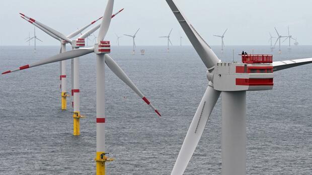 Offshore-Windparks Nordsee 1 mit Anlagen vom Typ Senvion 6.2M126 in der Nordsee vor der ostfriesischen Insel Spiekeroog (Niedersachsen). Der Windkraft-Konzern Senvion hat beim Amtsgericht Hamburg Insolvenz in Eigenverwaltung beantragt. Quelle: dpa