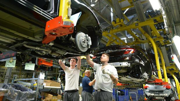 Französischer Konzern PSA erwägt Kauf von Opel