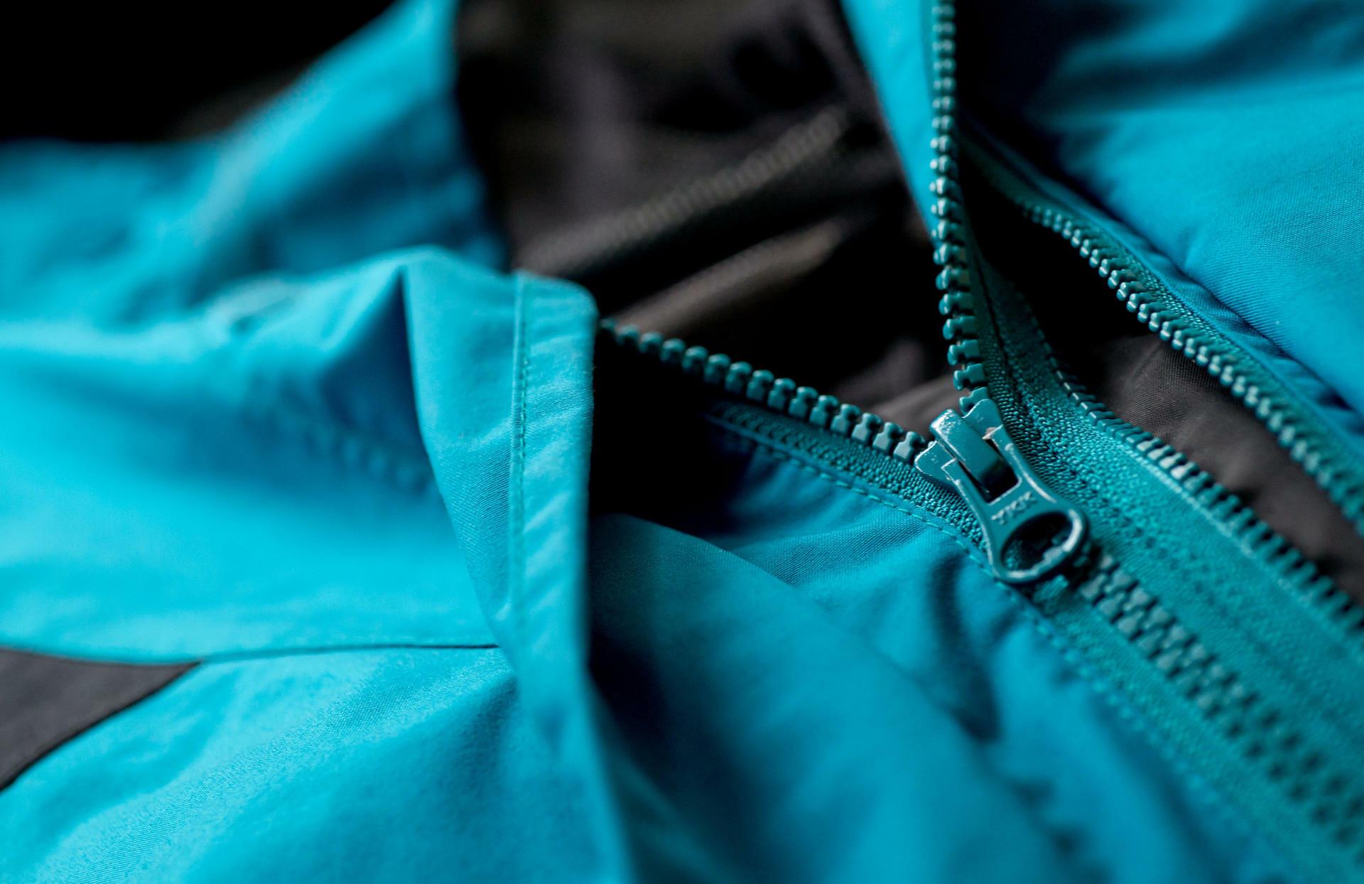 1273c29a18bb60 Greenpeace-Studie  Outdoor-Jacken dünsten Chemikalien aus