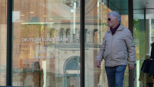 Ansturm Auf Neue Fünf Euro Münze Nehmen Sie Die Brille Ab Und