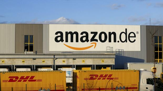 Konkurrenten: Der Online-Dienst Amazon und die Deutsche Post. Quelle: Reuters