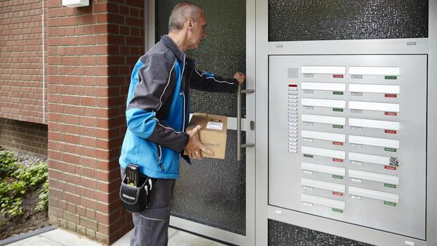 Dollar und Kosten bremsen Deutsche Post