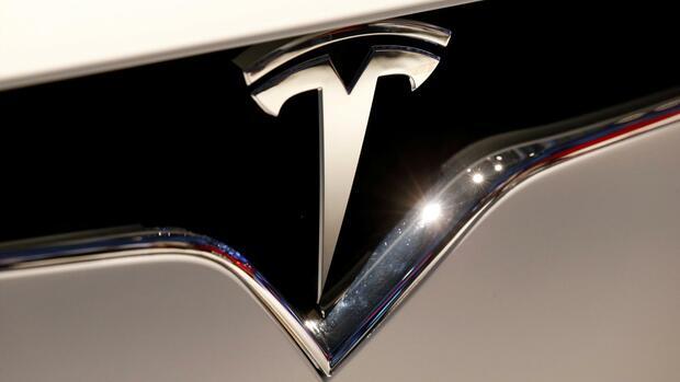 Gewinn: Tesla-Konzernchef löst sein Versprechen ein