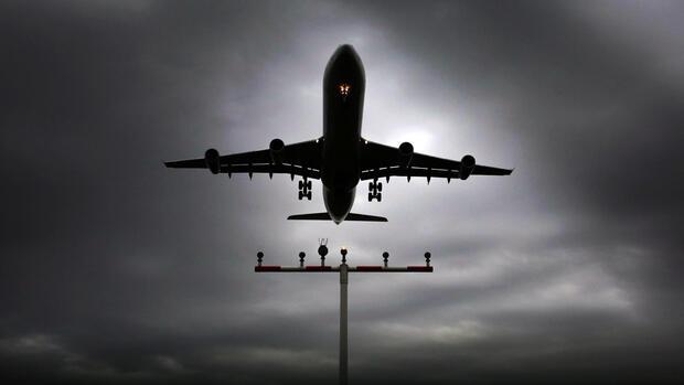 Warum die FDP vor Tank-Tourismus von Flugzeugen warnt