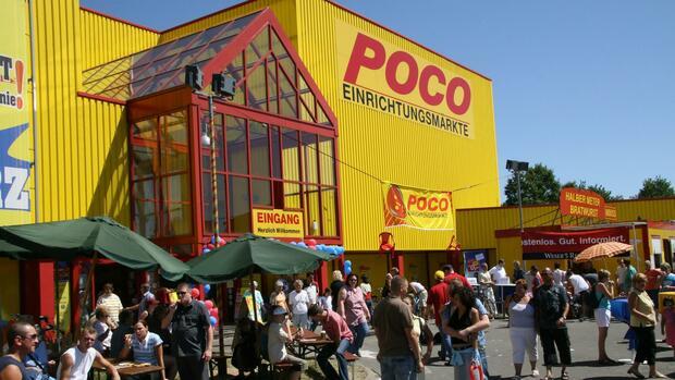 XXXLutz kauft Steinhoff Anteil an Möbelkette Poco ab