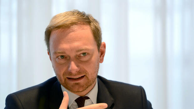 FDP-Chef Christian Lindner im Interview Quelle: dpa