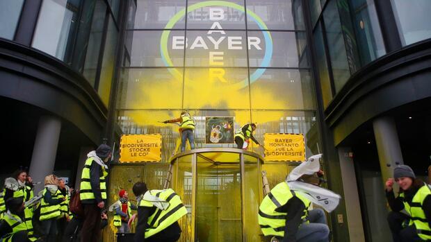 Liste mit Glyphosat-Skeptikern: Grüne warten auf Post in Sachen Bayer