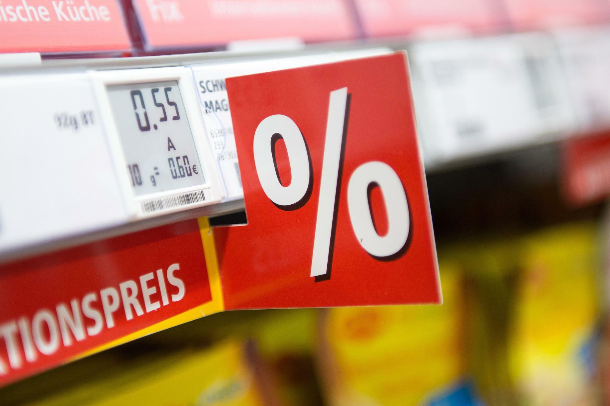 Verbraucherpreise: Inflation in der Euro-Zone fällt auf Dreijahrestief
