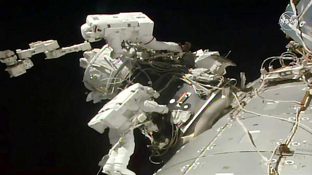 Raumfahrt: Raumstation ISS bekommt neuen Landungssteg für private Raumschiffe
