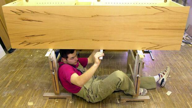 Bauen sich unsere Möbel bald von alleine auf?