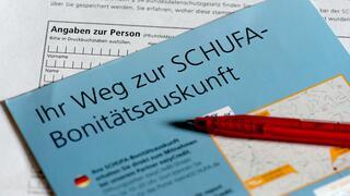 Schufa: Menschen in Deutschland haben ihre Finanzen im Griff