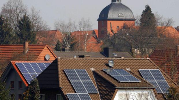 hausbrände solardächer gefährden arbeit der feuerwehr