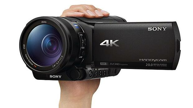 Sony 4K-Camcorder FDR-AX100E Quelle: Presse