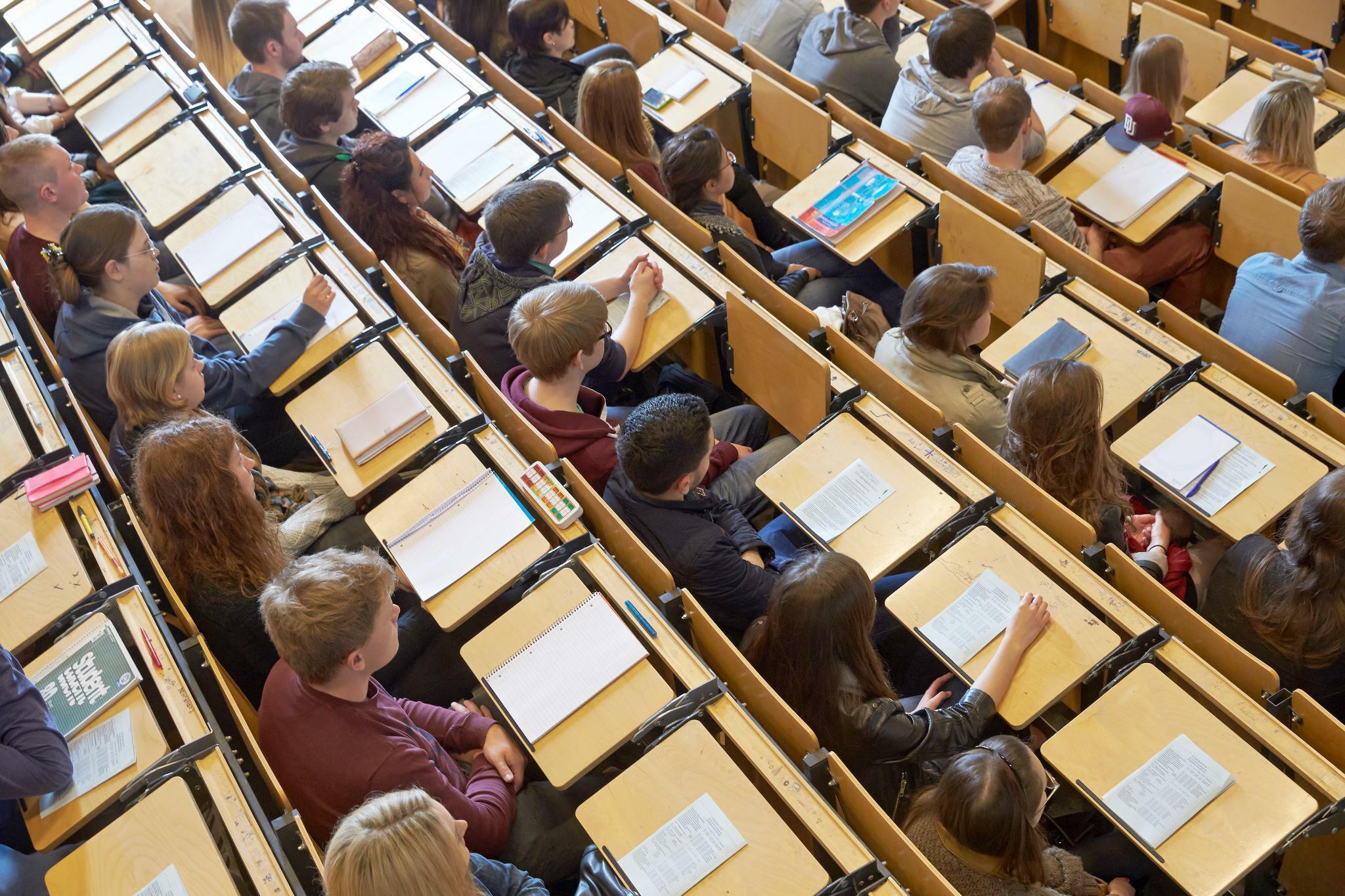 Hochschulrektorenkonferenz: Wissenslücken bei Abiturienten