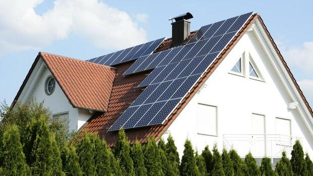Haus Mit Solarzellen Auf Dem Dach Quelle: Obs