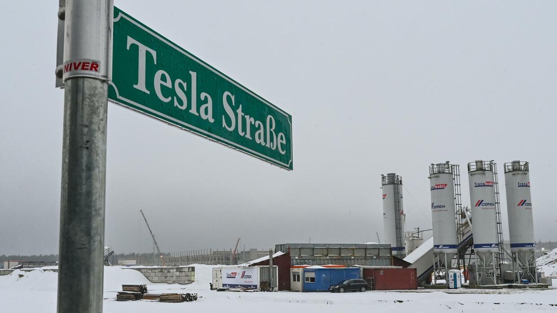 Tesla bekommt längere Frist für Sicherheitsleistung zum Weiterbau