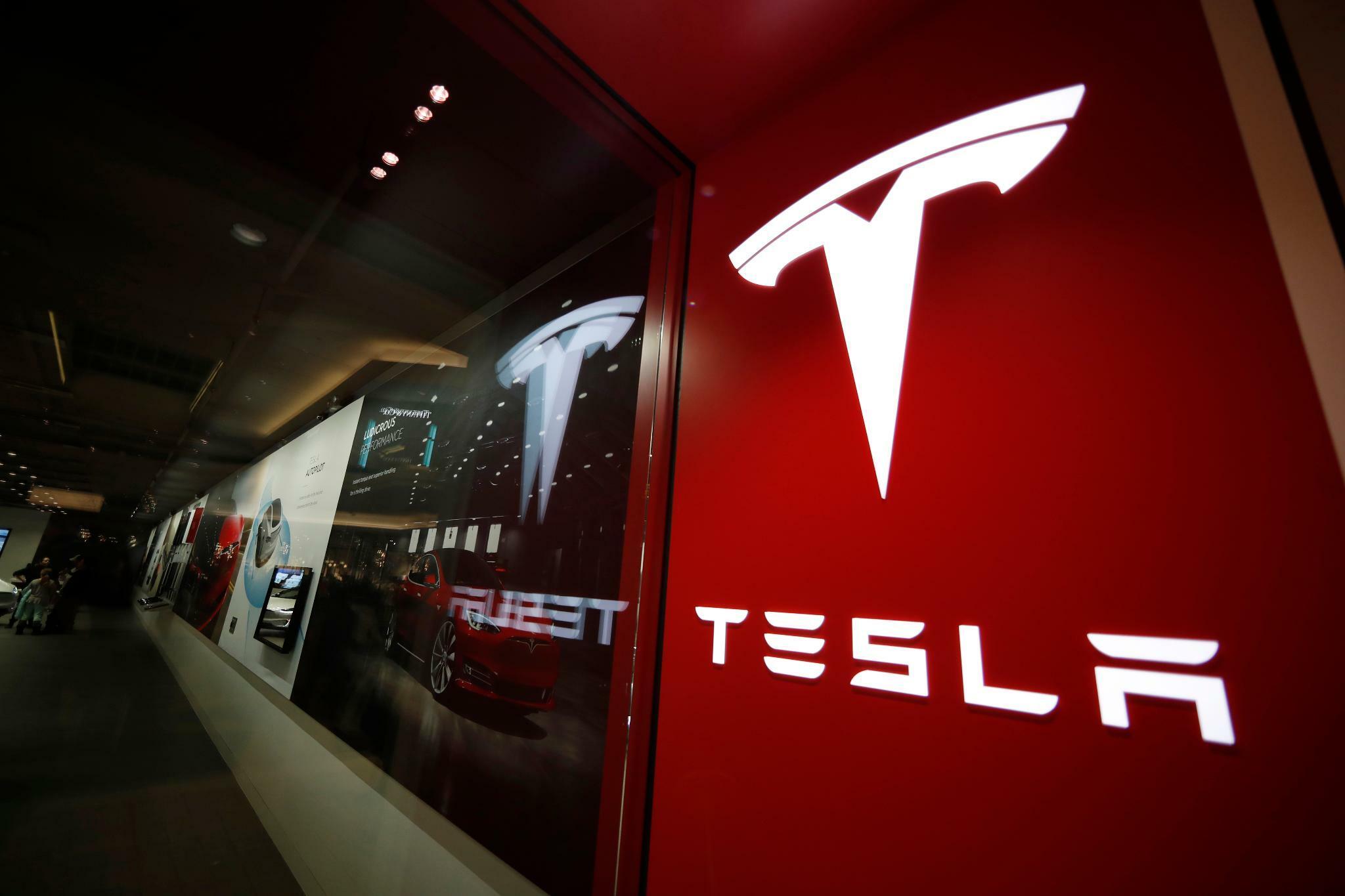 US-Elektroautobauer: Tesla überrascht mit Quartalsgewinn – Anleger begeistert