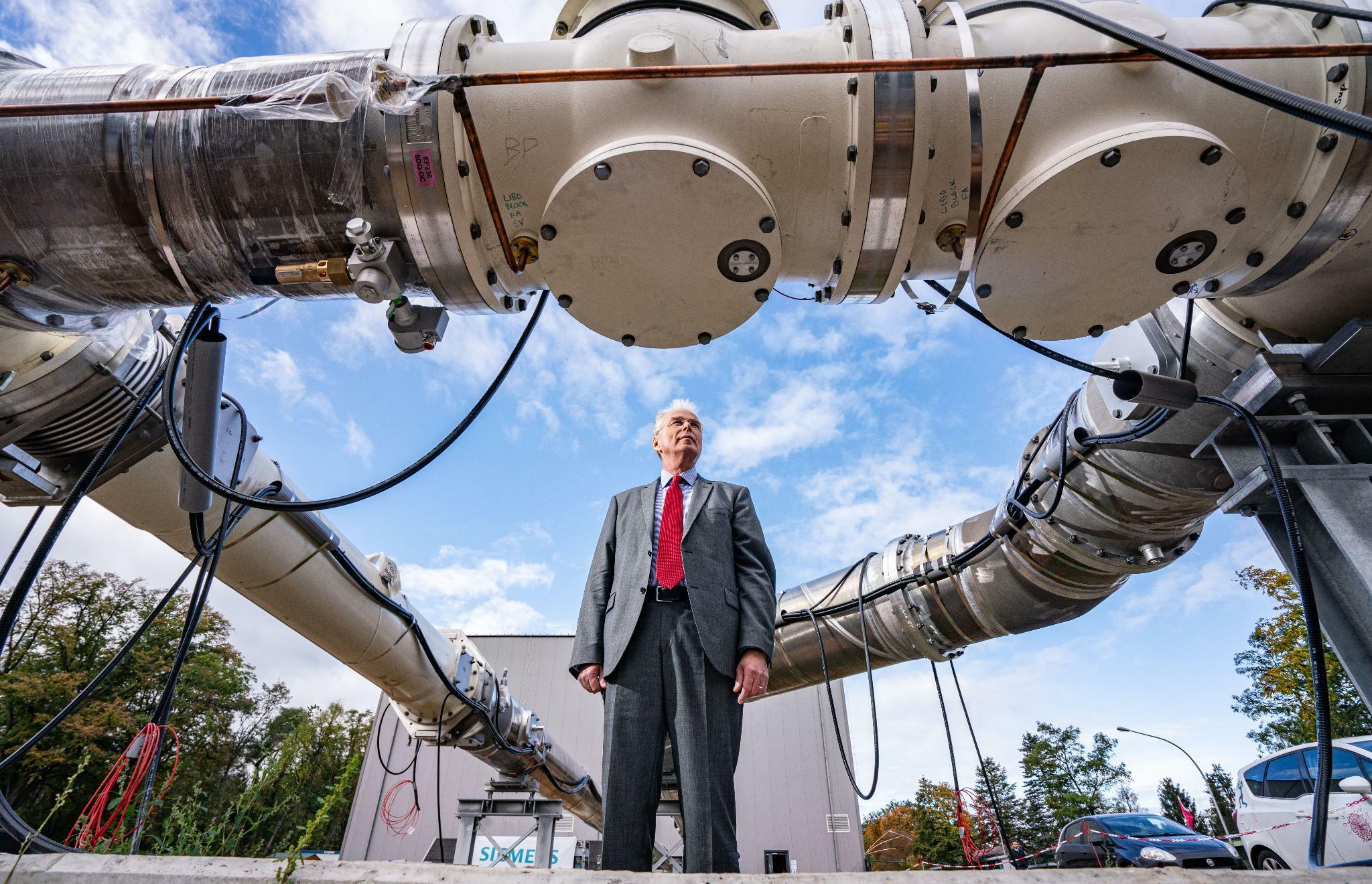 Gasisolierte Gleichstrom-Übertragungsleitung: Testfeld für neue Hochspannungs-Technologie eröffnet