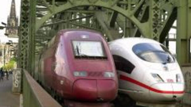 Thalys (links) und ICE Quelle: dpa-dpaweb