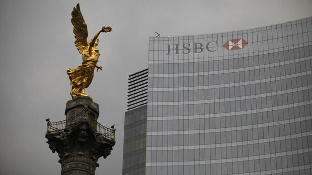 The Angel of Independence monument stands in front of British bank HSBC's headquarters in Mexico City Quelle: REUTERS