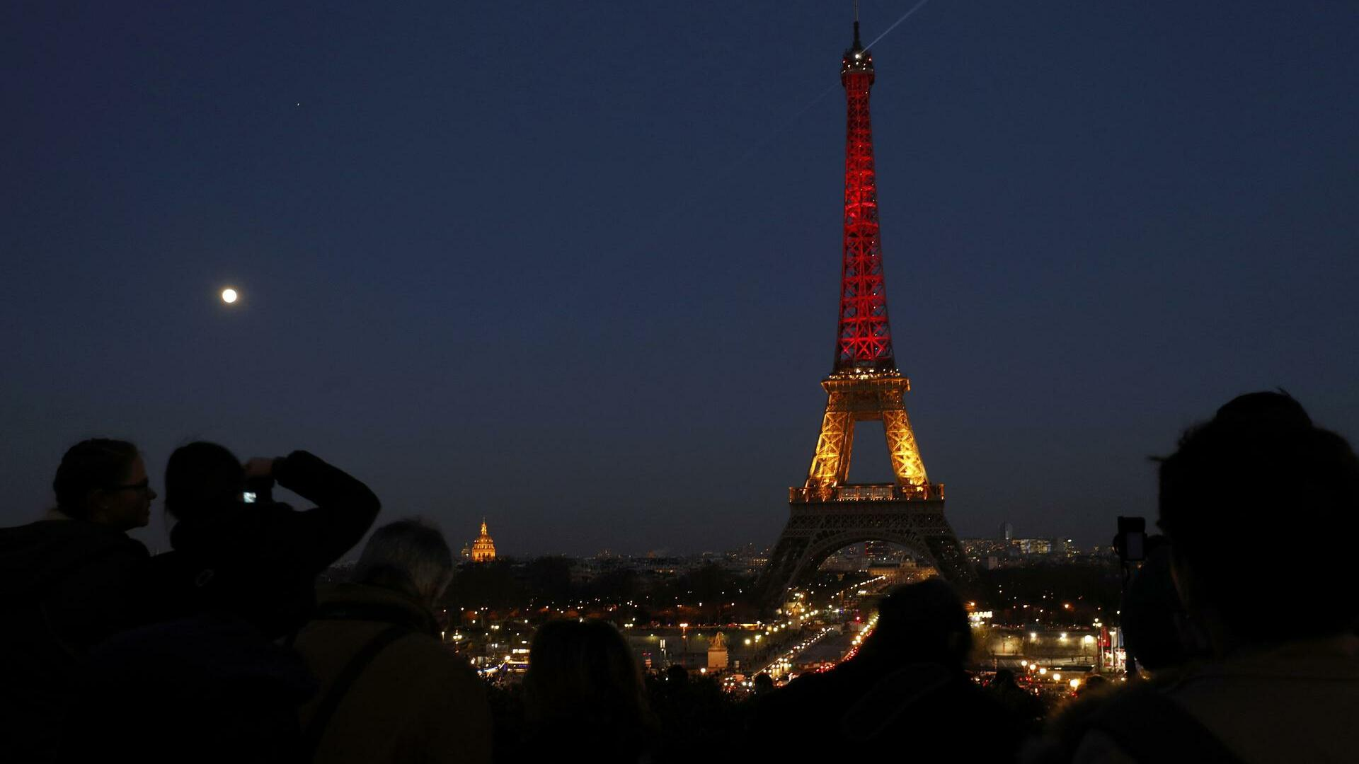 Eiffelturm in Paris in den belgischen Farben Quelle: REUTERS
