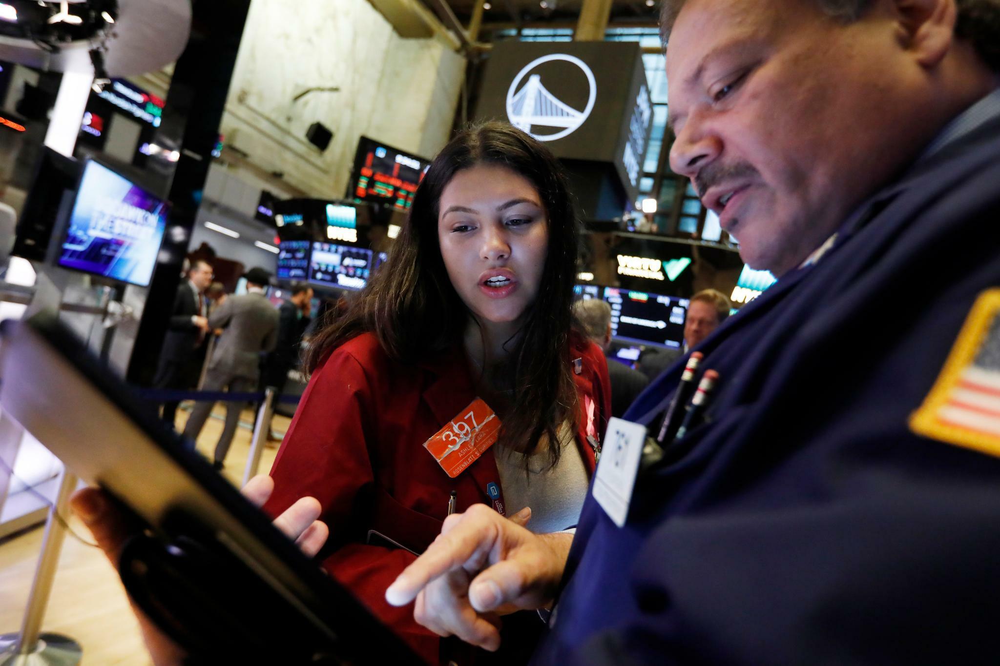 Dow Jones, Nasdaq, S&P 500: Brexit-Deal und Firmenbilanzen geben Wall Street Auftrieb