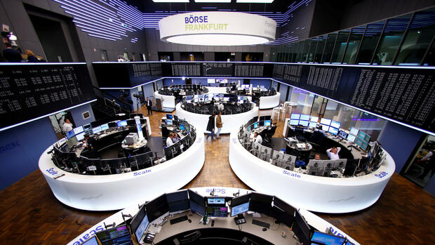 Trader in Frankfurt Quelle: REUTERS