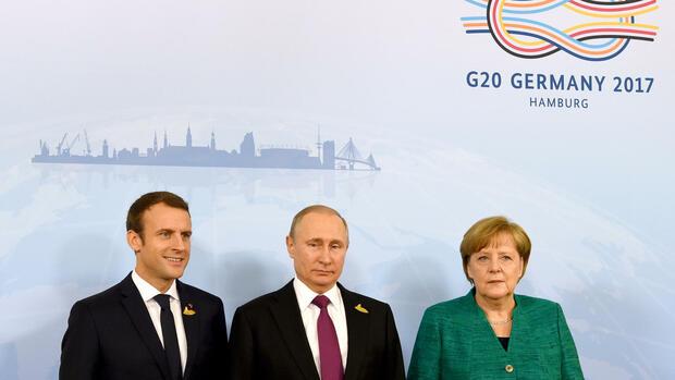 """Krim-Krise: Merkel fordert """"ehrliche Diskussion"""" mit Russland"""