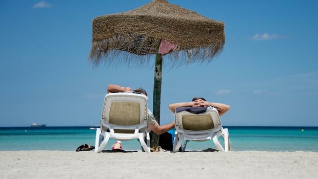 Große Ost-West-Unterschiede - Nur knapp die Hälfte der Beschäftigten bekommt Urlaubsgeld
