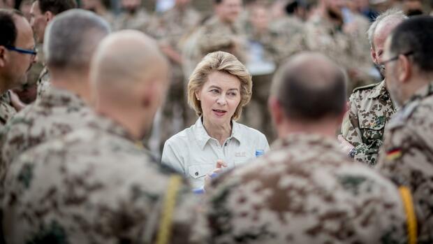 Von der Leyen will 12 Milliarden Euro für Bundeswehr