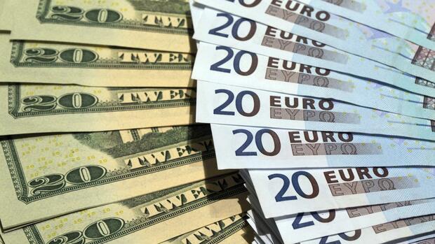Gemeinschaftsw hrung verliert welche folgen hat der euro absturz - Bureau de change euro dollar paris ...