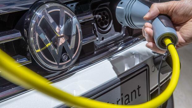 VW treibt seine Bemühungen in der E-Mobilität voran. Quelle dpa