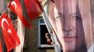 Wirtschaft und Pressefreiheit: Wie Erdogan die Türkei in die Krise treibt