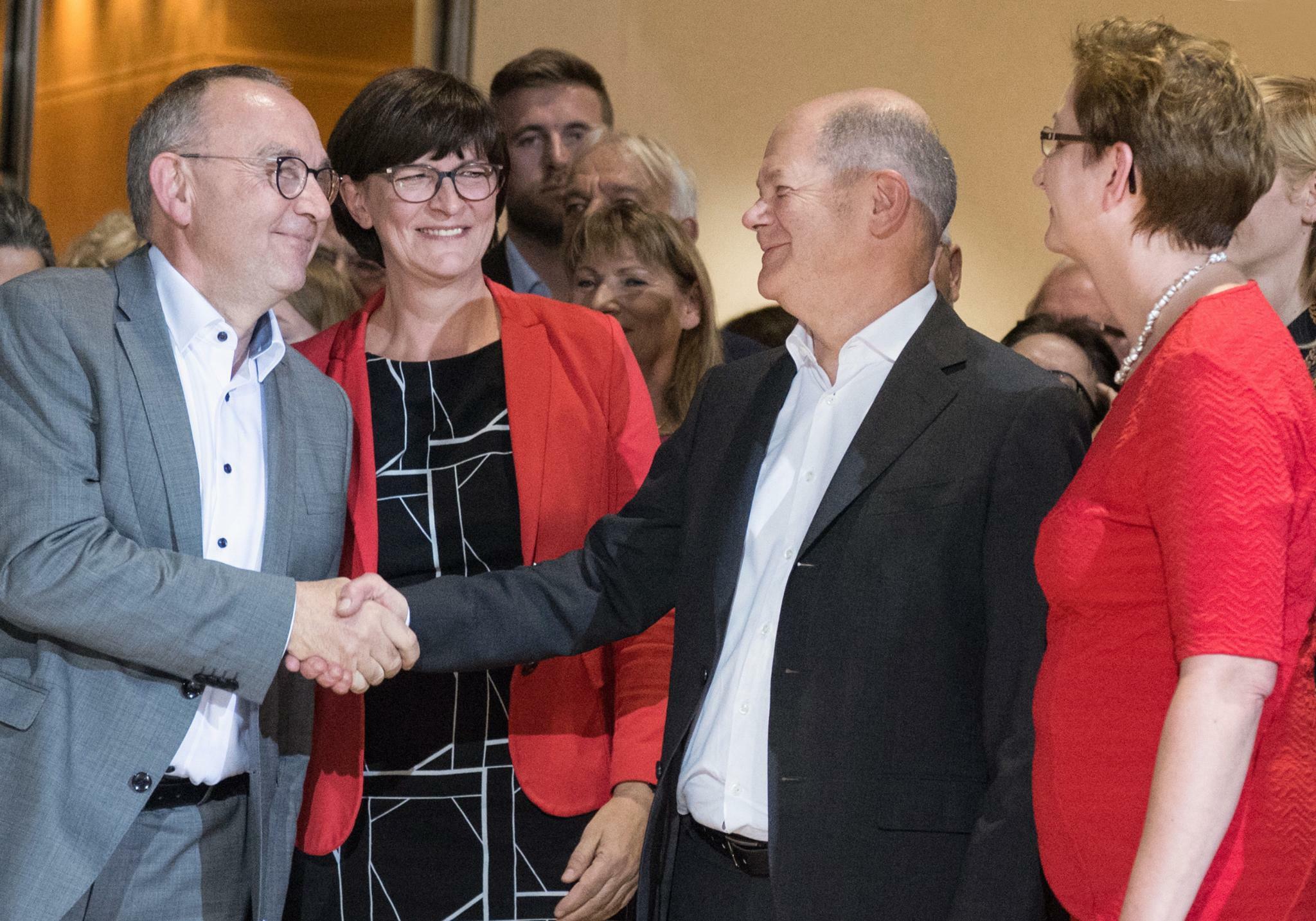 Spd Walter Borjans Und Esken Wollen Neuen Koalitionsvertrag