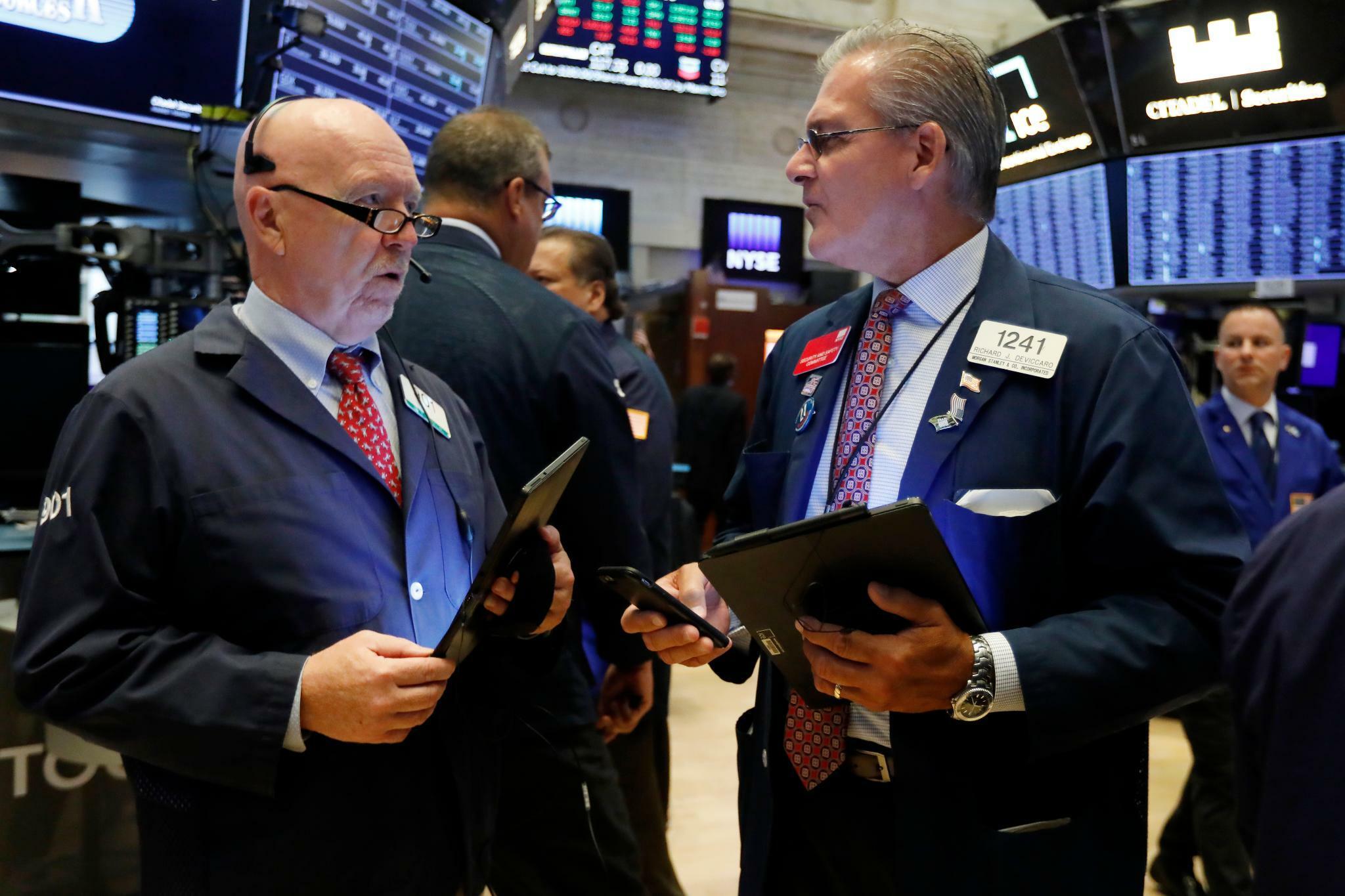 Dow Jones, Nasdaq, S&P 500: Verschiebung von Strafzöllen ermuntert Anleger – Wall Street eröffnet etwas höher