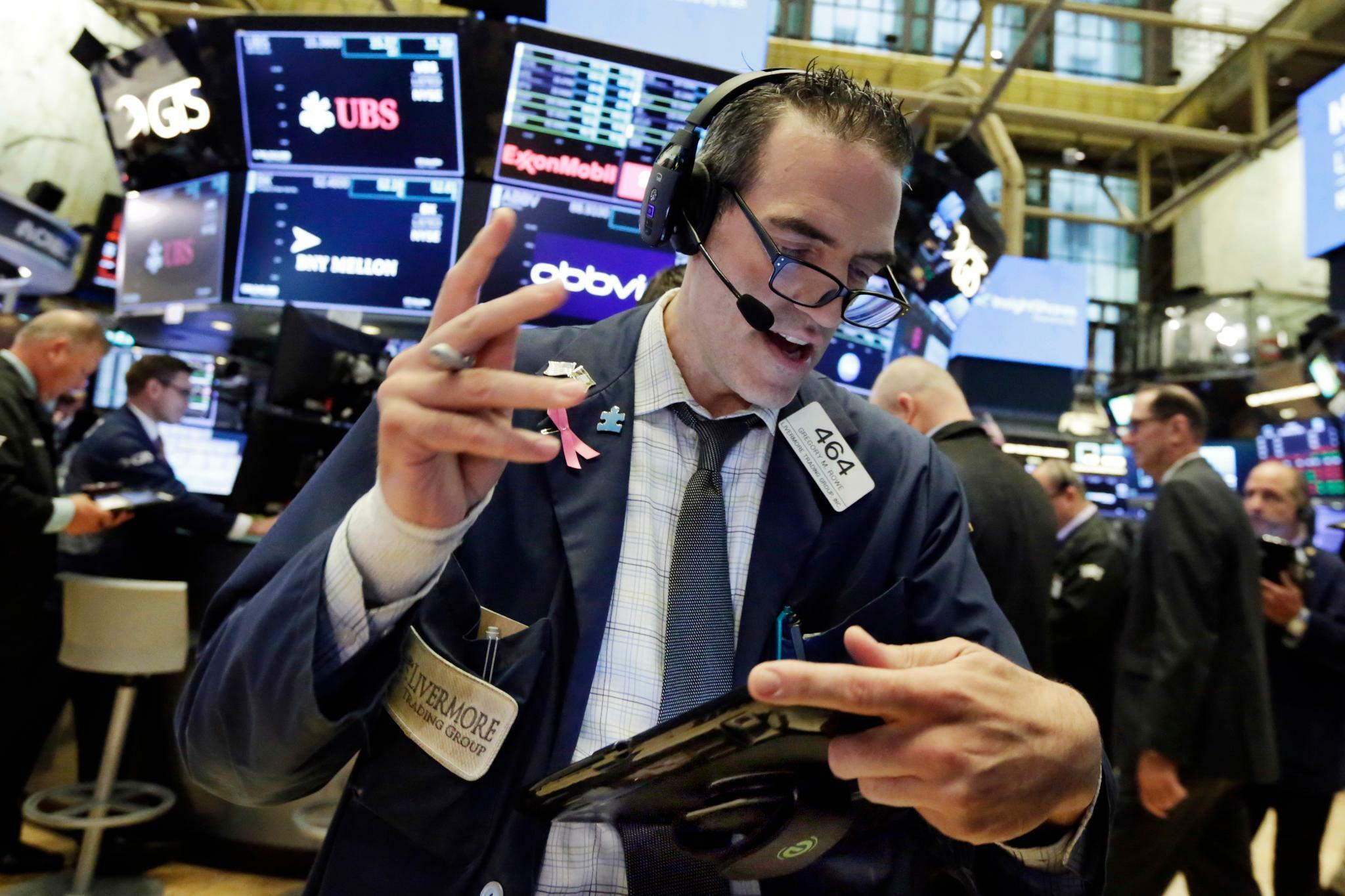 Dow Jones, Nasdaq, S&P 500: US-Anleger halten sich vor Trump-Rede zurück – Nasdaq auf Rekordhoch