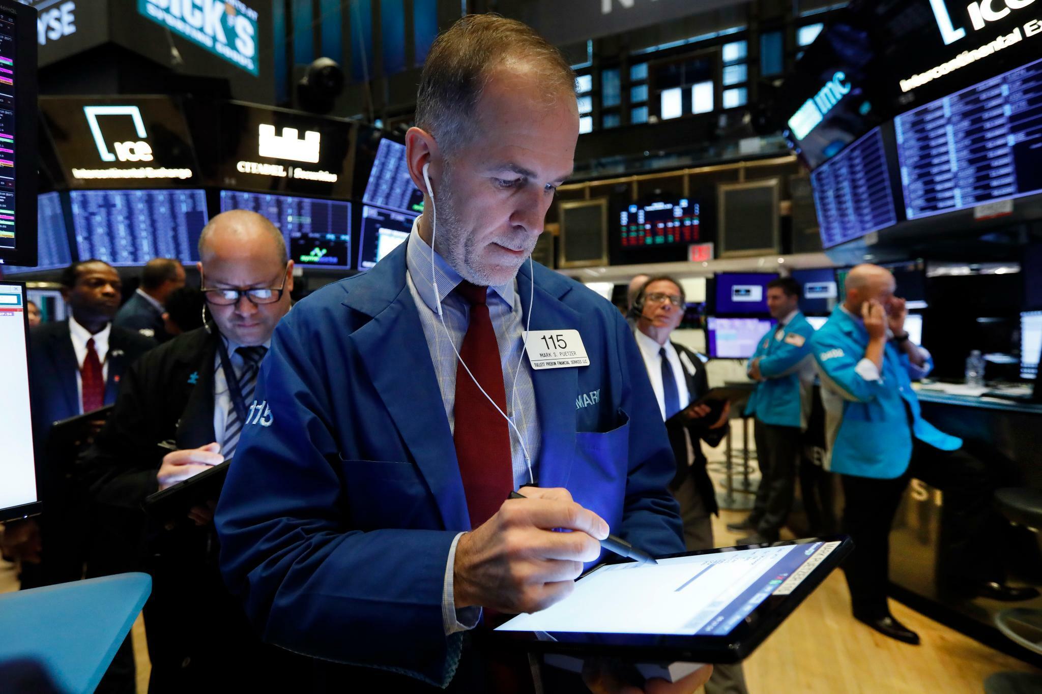 Dow Jones, Nasdaq, S&P 500: Einzelhandelsumsatz enttäuscht - US-Märkte starten im Minus