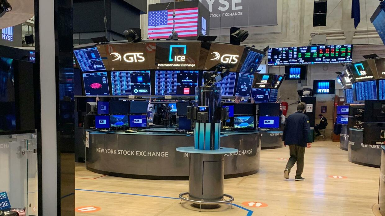 Dow Jones, Nasdaq, S&P 500: Wall Street eröffnet im Minus – Unruhen belasten die Märkte