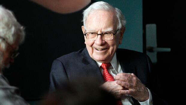 Warren Buffett kauft bei Apple und Goldman Sachs zu