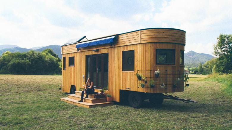 Wohnwagen Etagenbett Autark : Nachhaltig wohnen autark unterwegs im bio caravan
